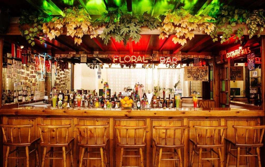 Floral Hotel